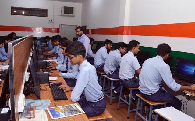 Dr G L K Public School Computer Lab